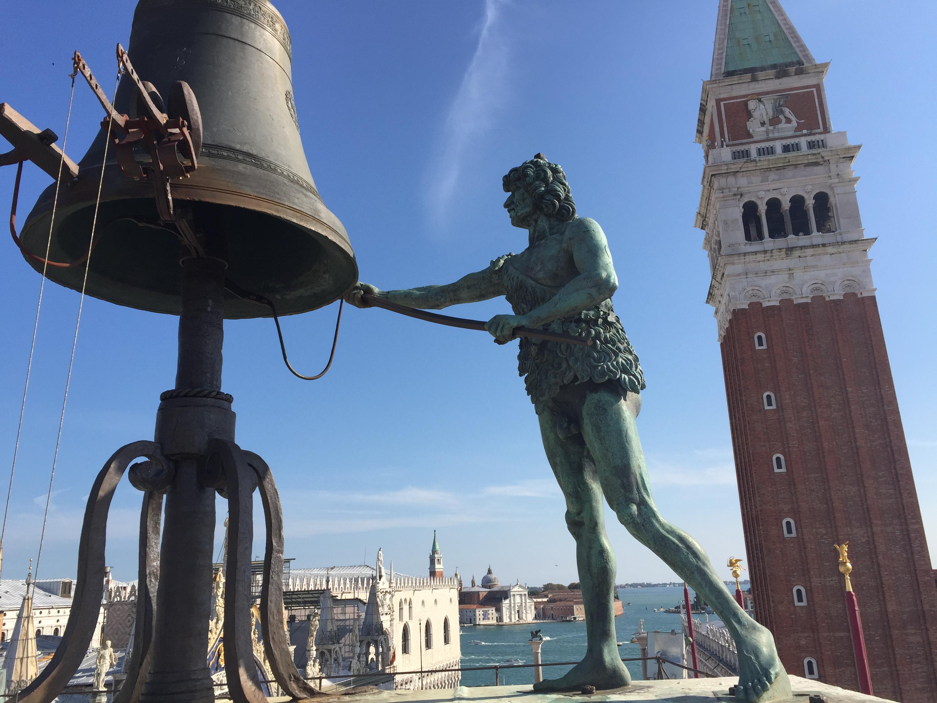 img 1560 - Subiendo al reloj astronómico de Venecia y Panoramica de la Piazza San Marcos