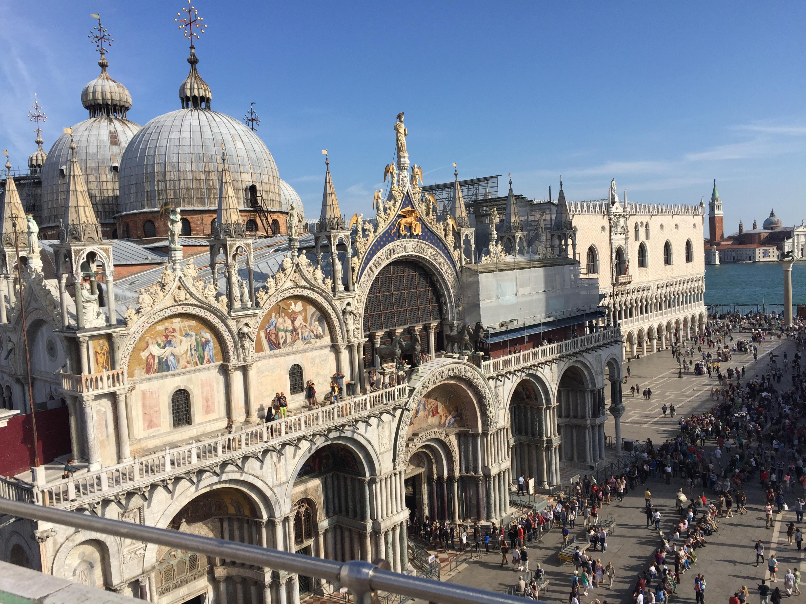 img 1568 - Subiendo al reloj astronómico de Venecia y Panoramica de la Piazza San Marcos